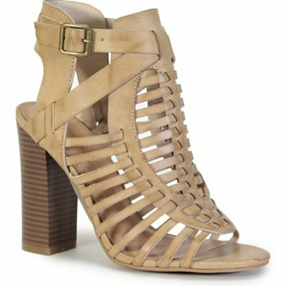 8009a228538 BAMBOO - FAITH-13S Gladiator Sandals NWOT